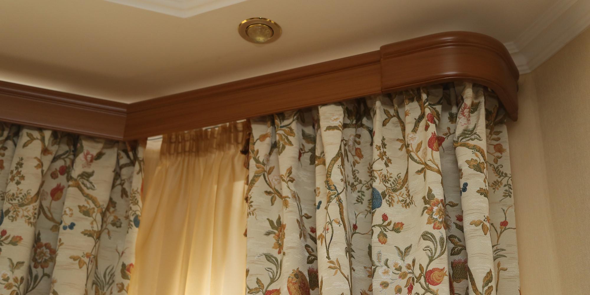 Деревянный карниз для штор фото в интерьере